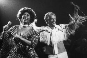 Celia Cruz y Johnny Pacheco en escena