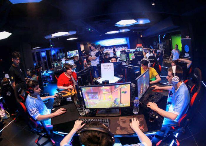 Sala de competencia de Juegos Electrónicos