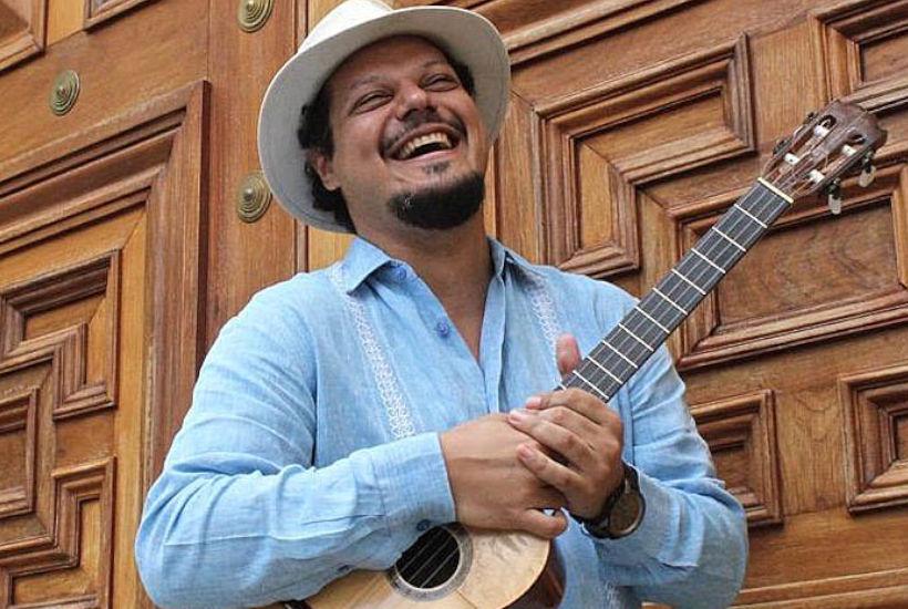 El cuatrista venezolano Luis Pino