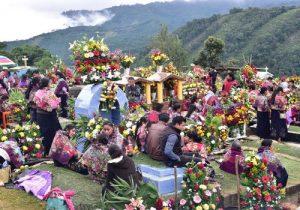 Celebración del día de los muertos en Perú